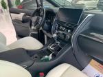 Lexus LM 300h 4 chỗ 2020 màu đen