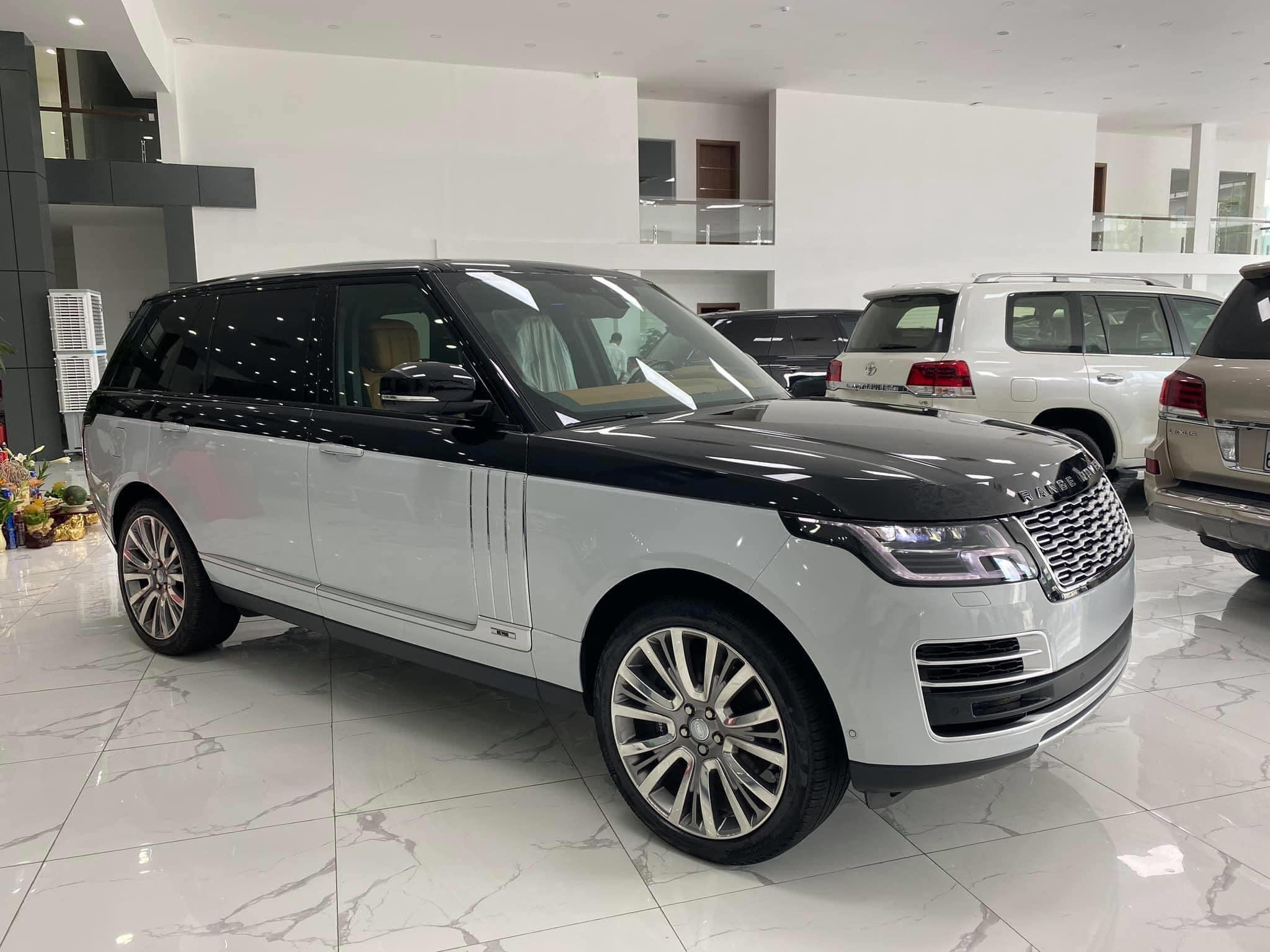 Range Rover SV Autobiography 2020 trắng đen
