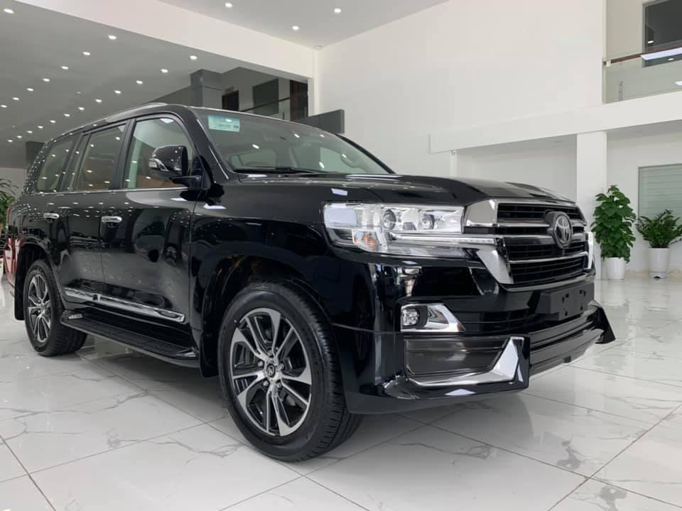 Toyota Landcruiser VXS 2021 4 chỗ đen