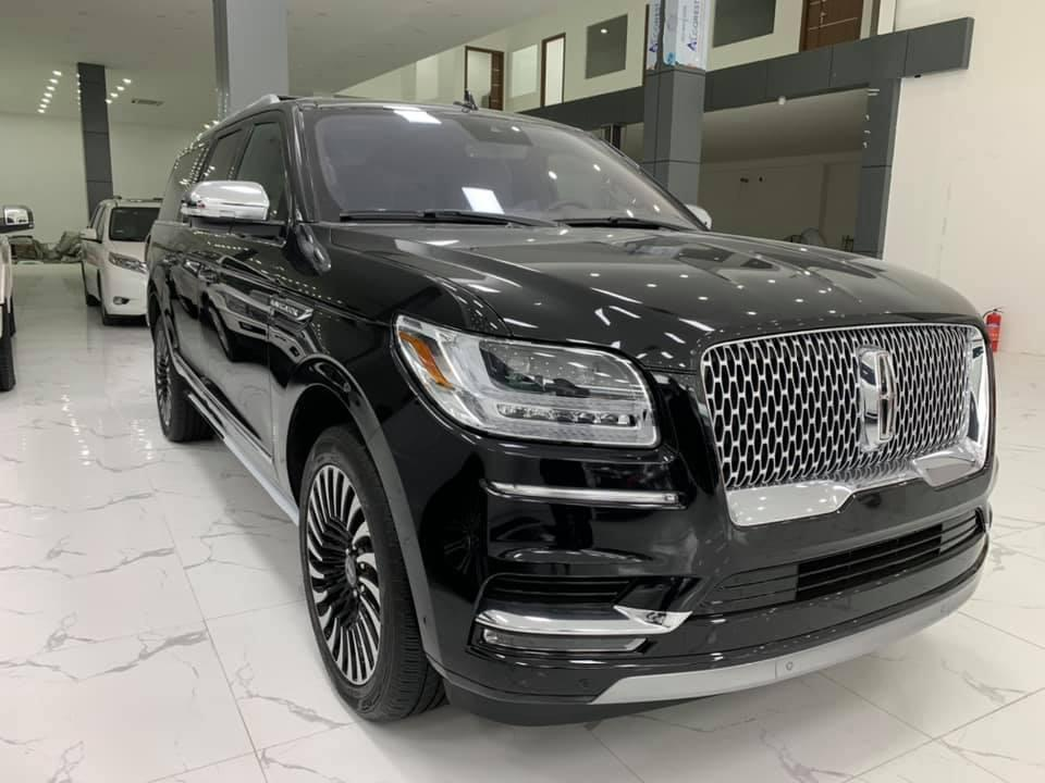 Lincoln Navigator L Black Label 2020 đen