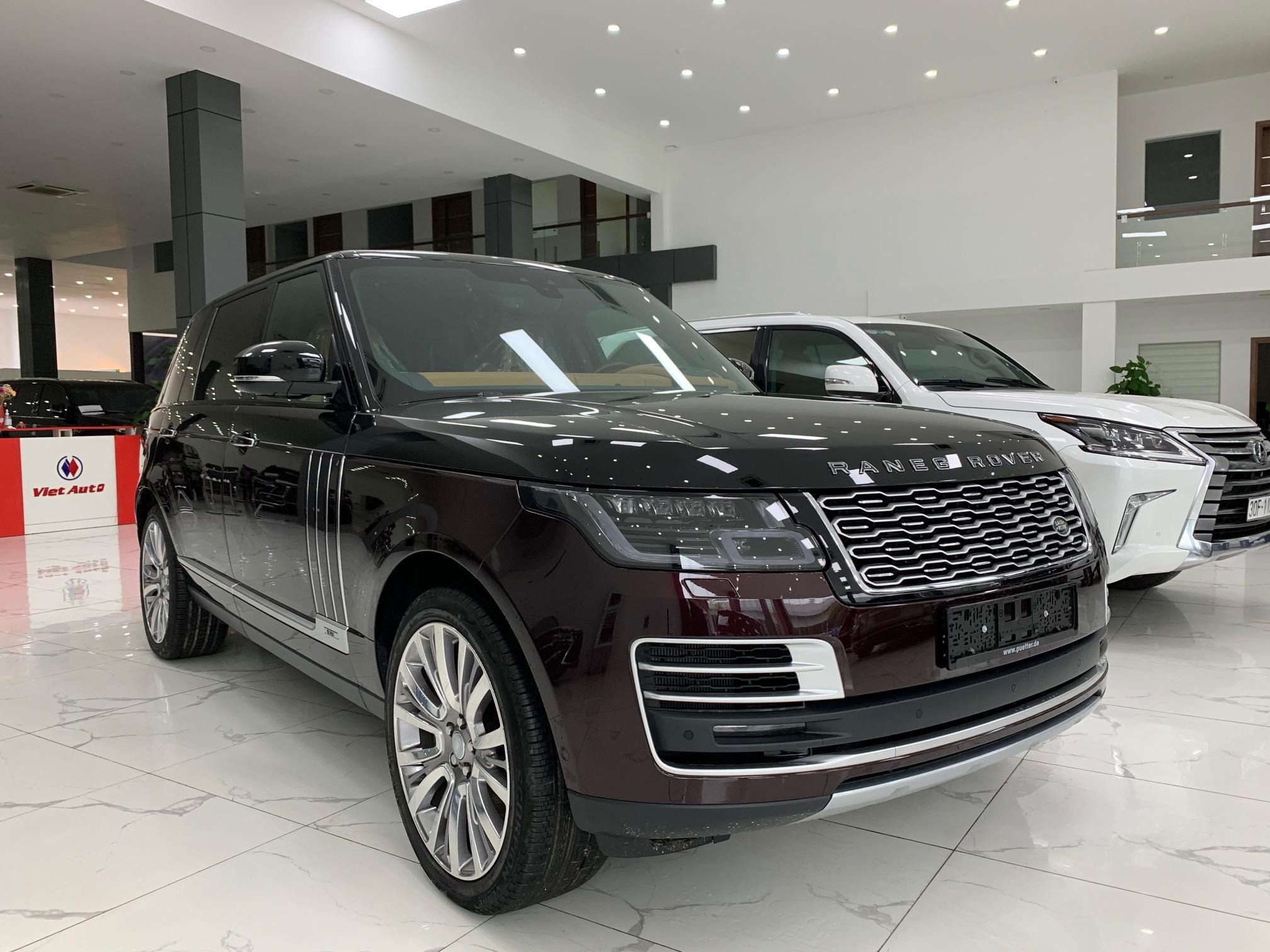 Range Rover SV Autobiography màu đỏ mận 2021